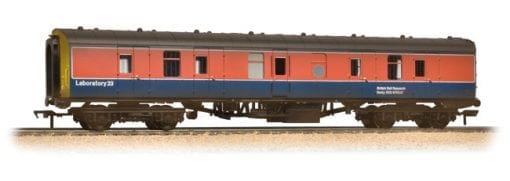 Graham Farish 374-043 BR Mark 1 BG in RTC (Railway Technical Centre) livery weathered