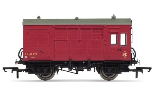 Hornby R6800 ex-LMS Horse Box in BR Maroon