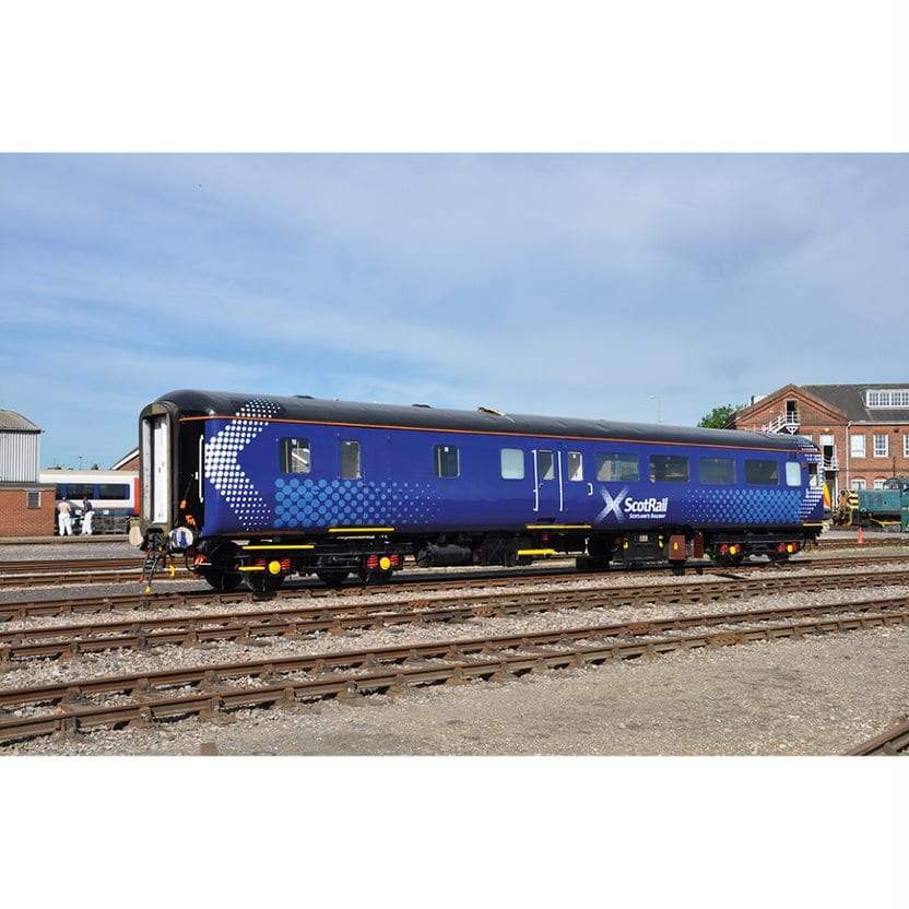 Bachmann Branchline 39-704 Mk2F BSO brake second open in ScotRail 'Saltire'  livery